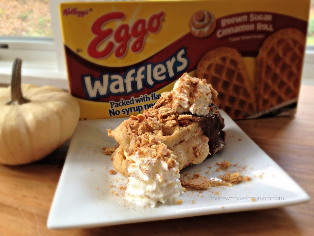 Pumpkin Pie Ice Cream Waffle Sandwich Sliders :: Eggo Waffle Wednesday #recipe #spon @thenewmodernmom