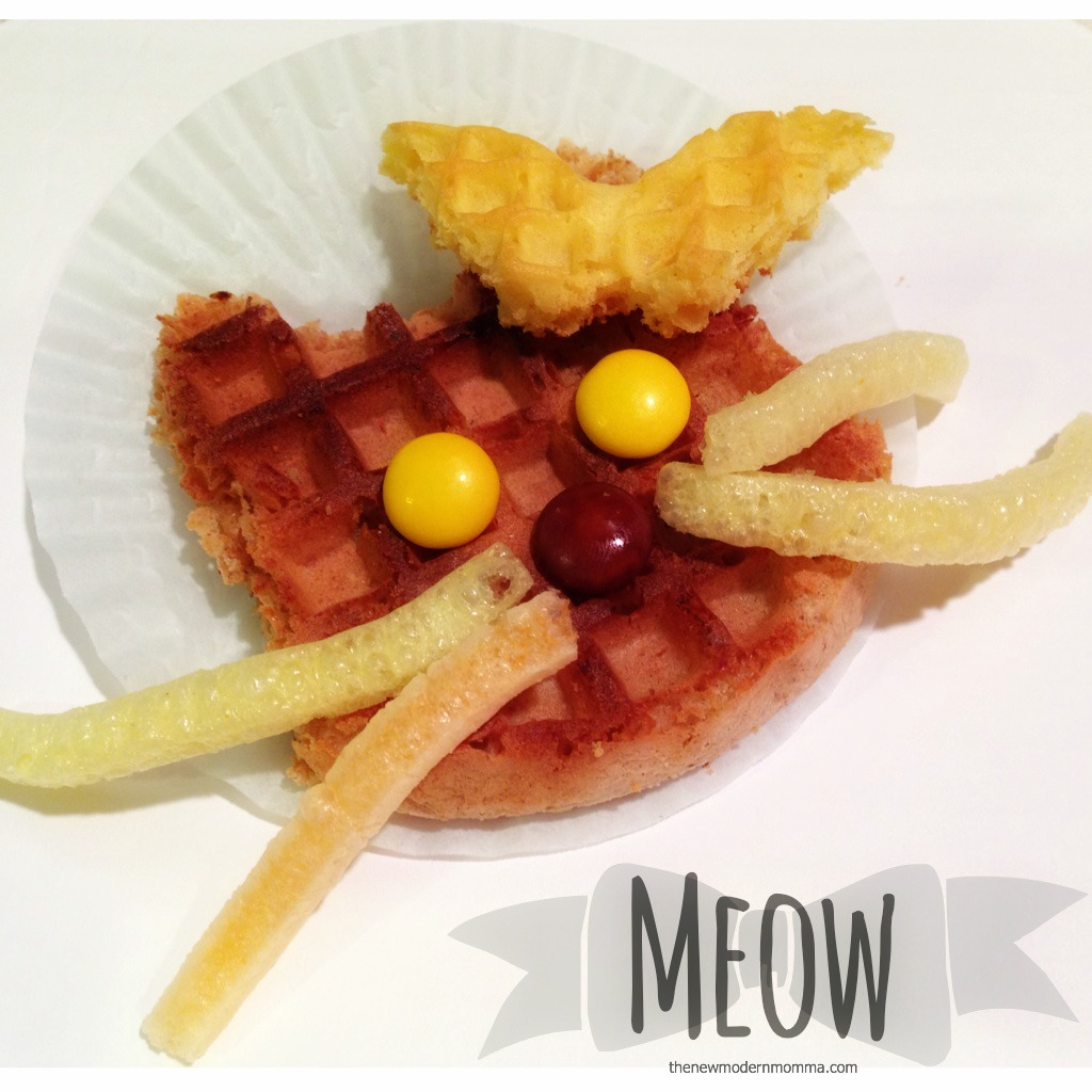 kitty cat eggo via @thenewmodernmom