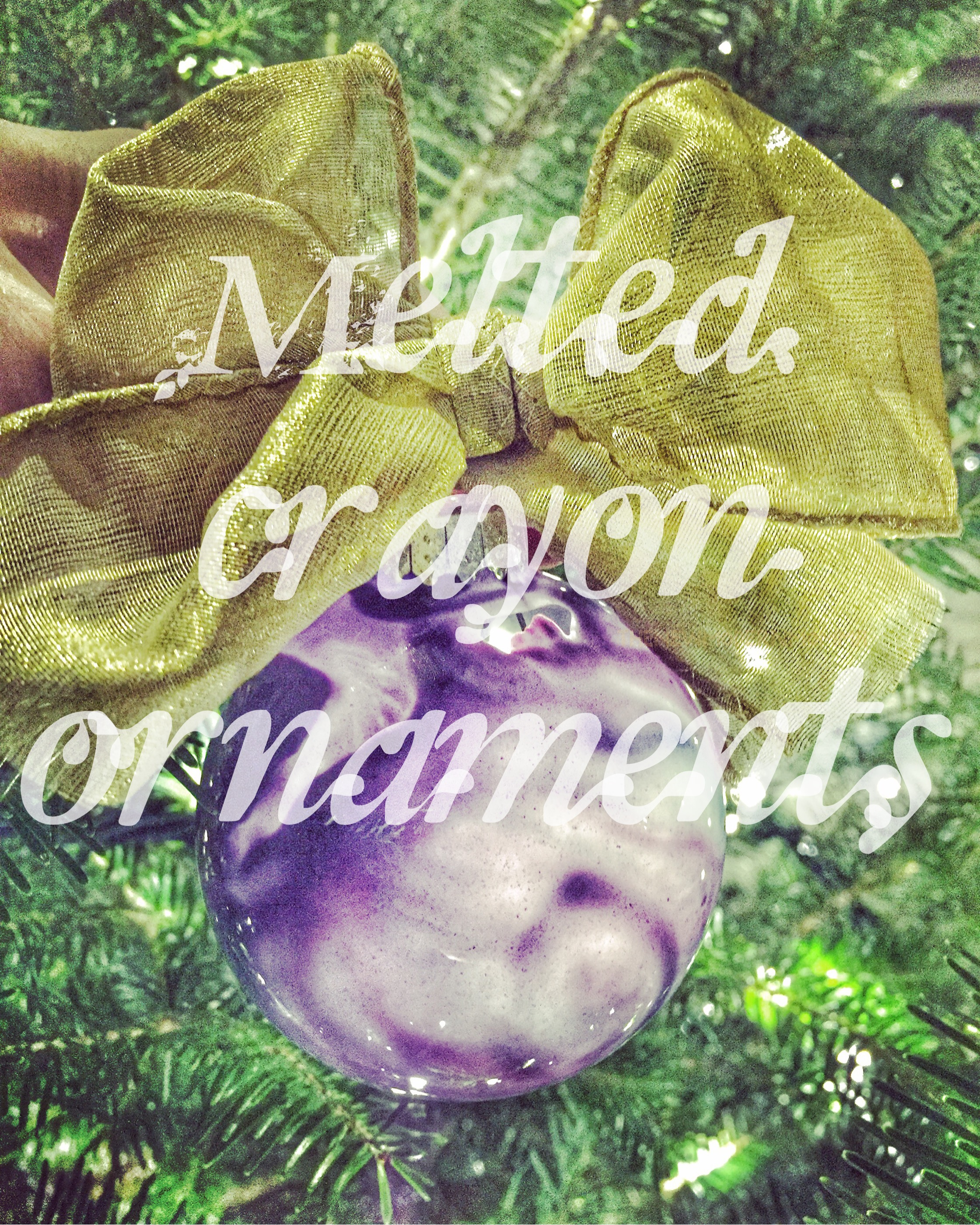 Melted Crayon Ornament – DIY
