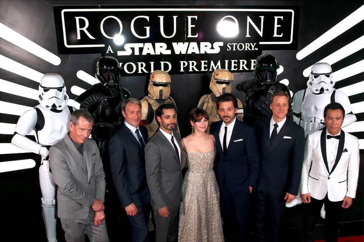 ROGUE ONE: A STAR WARS STORY Opens in 5 days + World Premiere Photos!!!